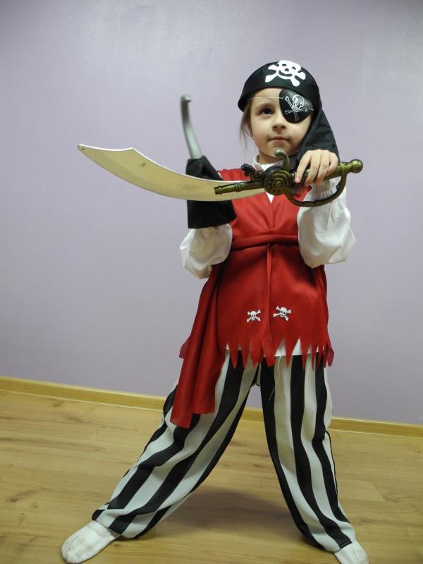 Pirat rozm. 122, 128
